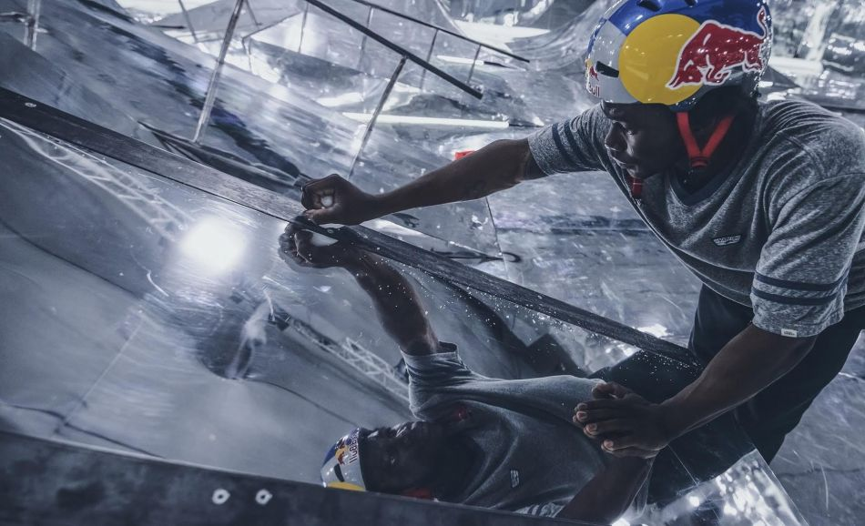 Making of: Red Bull's Mirror Park video with Courage Adams and Paul Thoelen