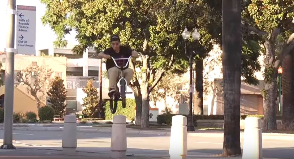 BMX: JOHNNY ATENCIO - AM SPOTLIGHT