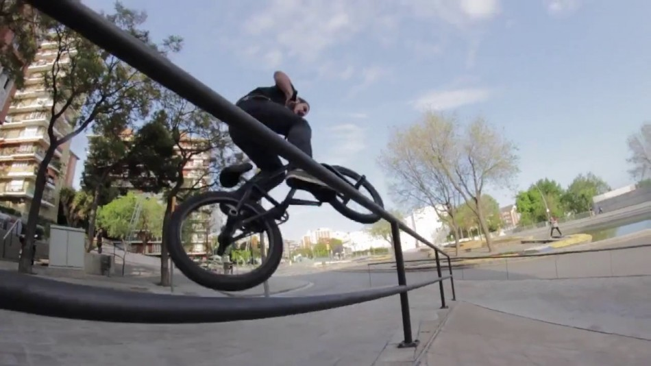 Bmx Avenue Barcelone trip Data Bmx
