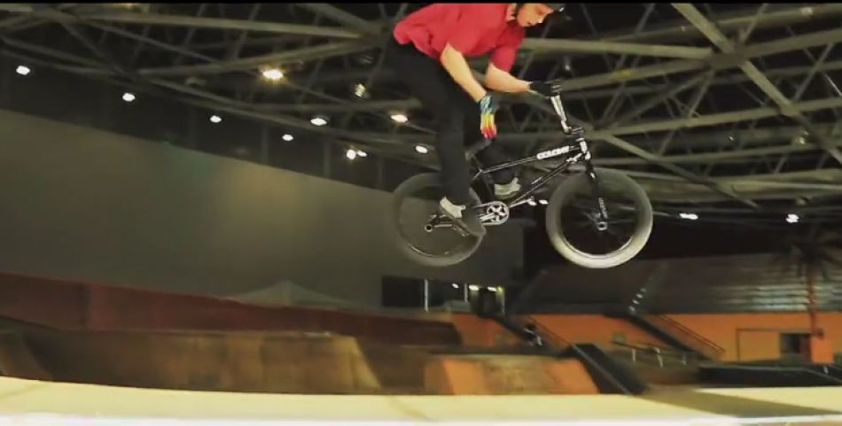Tanguy Labertrande x Urban & Water Contest (VOICE & SUBS HD) from Rudy Meyer