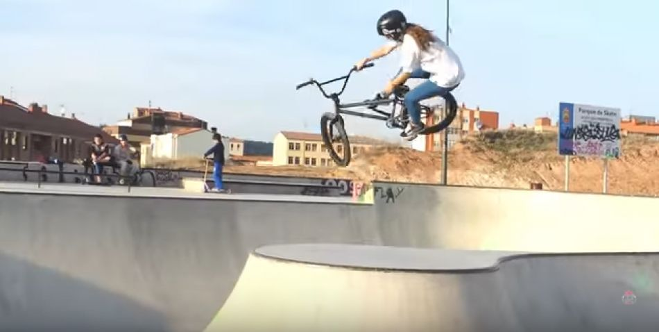 TERE WILLIAMS / BMX ONE DAY EDIT by Logic Films!