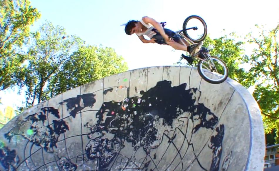 In Memory | Denis Mowgly by Vinylbmx