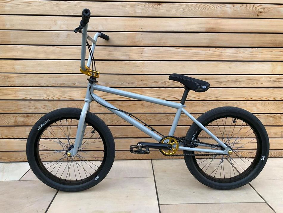 Bike Check: Vert rider Paul Meacher's custom Lairdframe