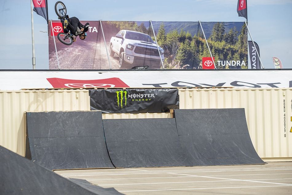 larry edgar monster energy street style bmx 2 22 2020 012