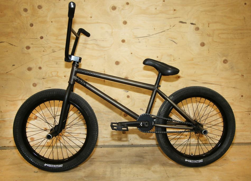 Bike Check: Kevin Peraza's signature Mongoose KP LaFamilia with prototype parts