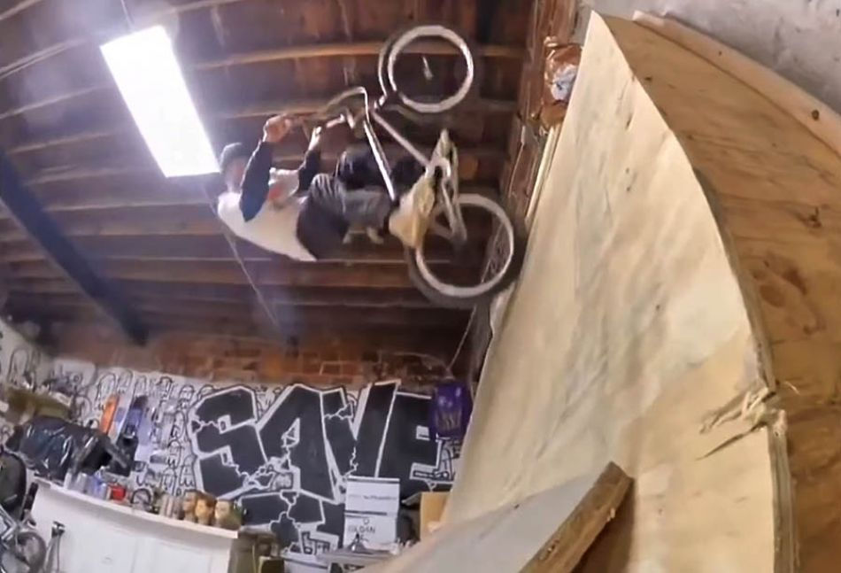 We got a robot filmer by BMXFU