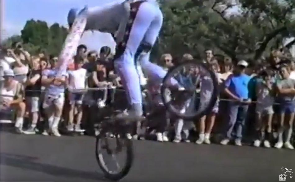 (1986) Hutch Freestyle Team by OldSchoolBMXTV