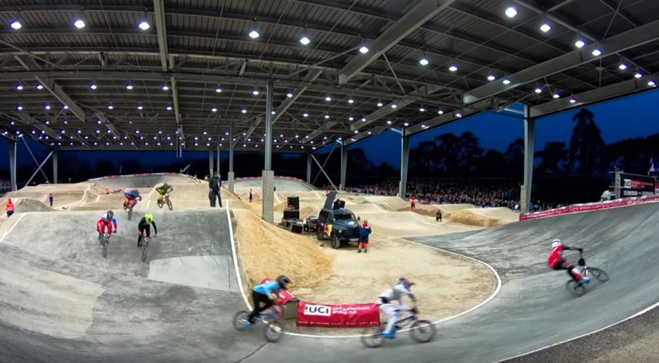 2018: SQY, France - RD2 Women's Final by bmxlivetv