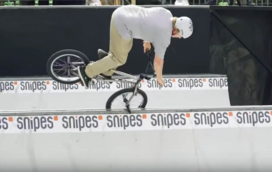 Sessions - The BMX Worlds - Colony BMX