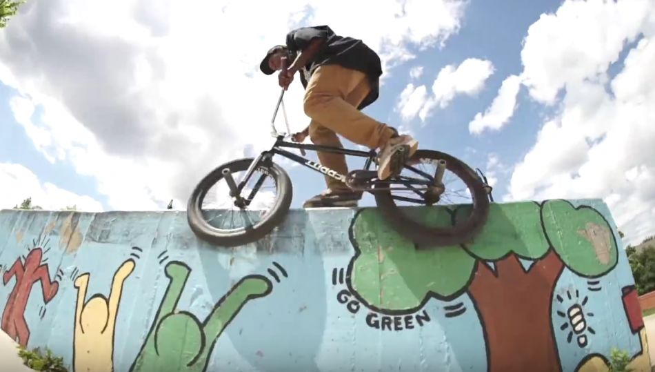 MERRITTBMX: OPTION TIRE QUICKIE WITH BILLY PERRY AND CASEY STARLING