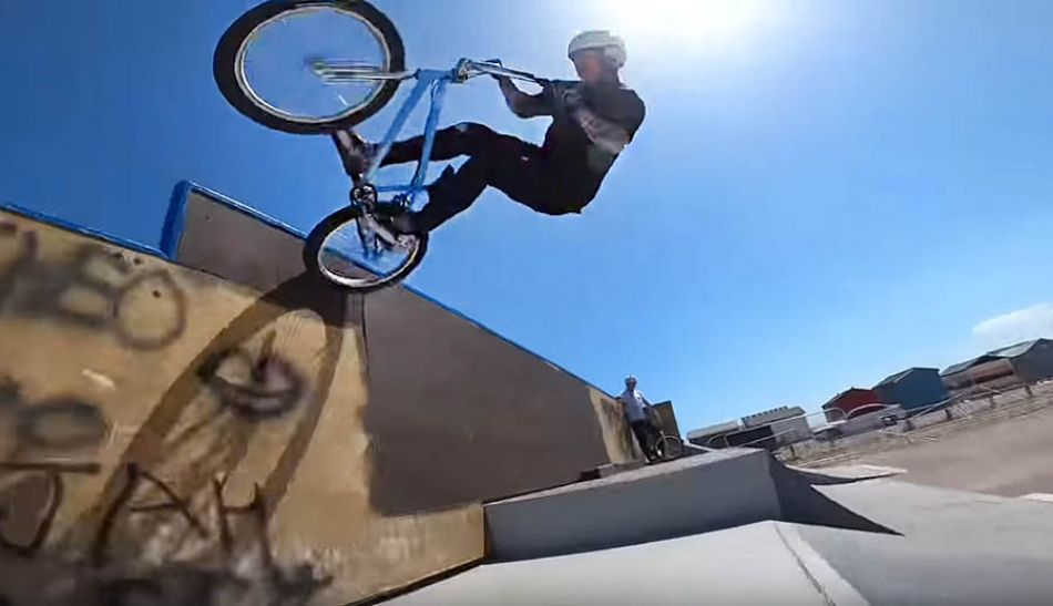 Another bad skatepark bmx session by The Webbie Show