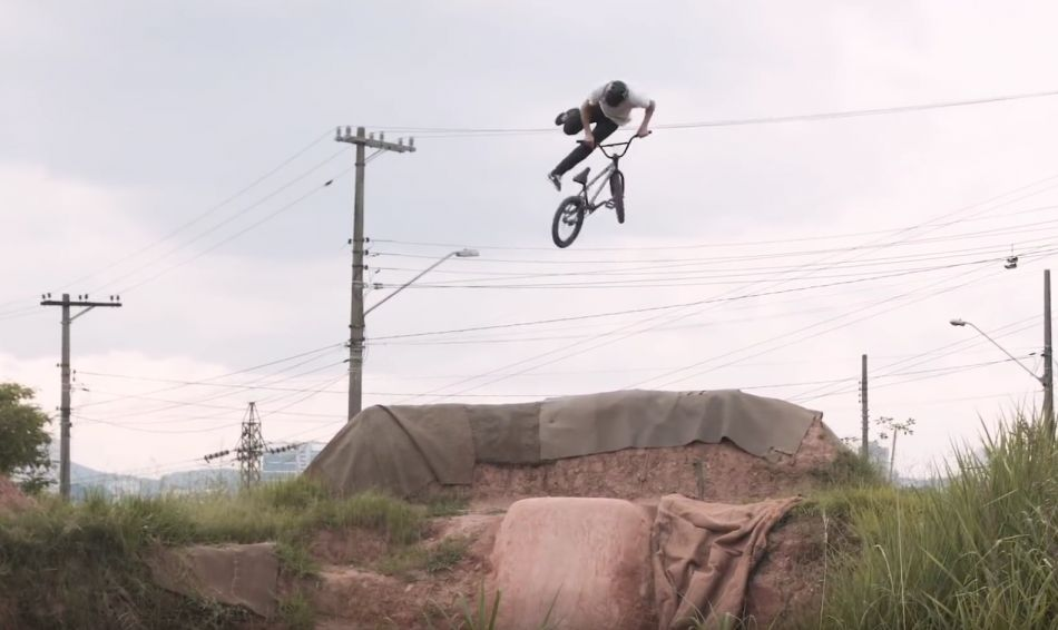 LEANDRO MOREIRA - CARACAS TRAILS IN BRAZIL