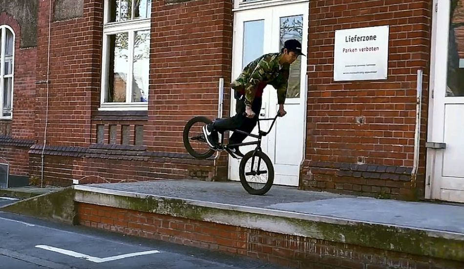 BMX Street: Jaoa Phuymooltree & Lucas Chittka shred Downtown Düsseldorf by freedombmx