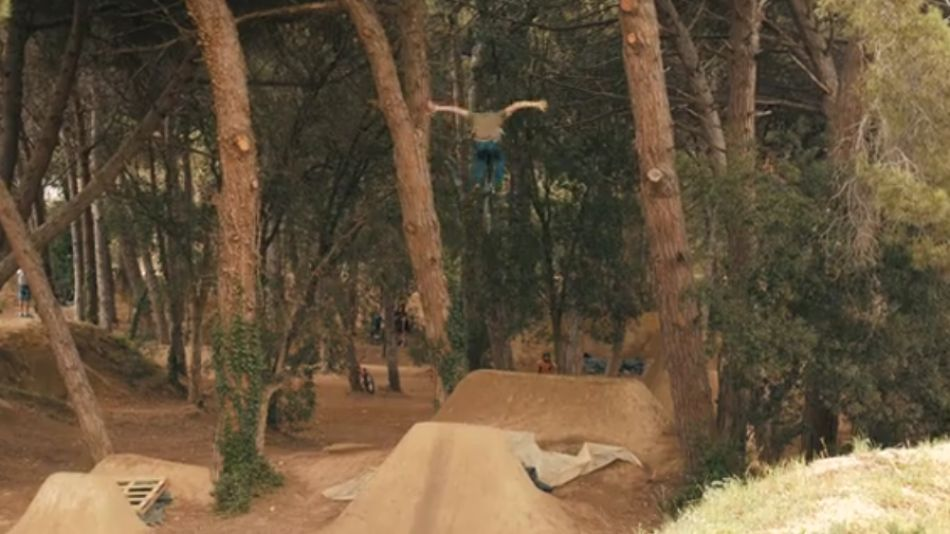 LIVING FOR THE TRAILS - LLORET CREW 4K from Oscar Mendoza
