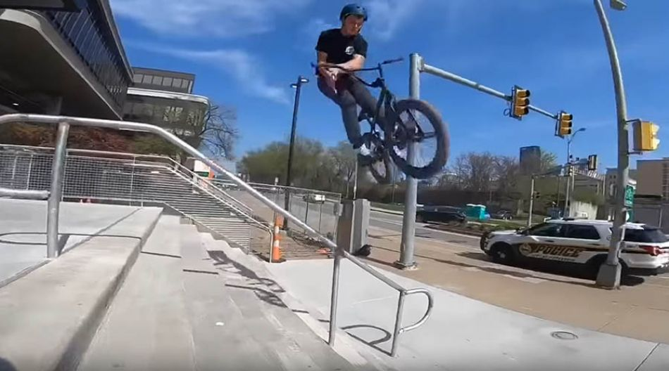MERRITT BMX : CAM GIRVIN WELCOME TO THE SQUAD