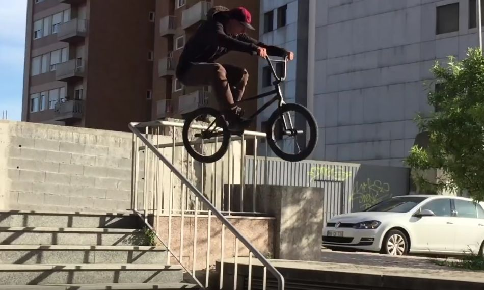In The Cut: Lost In Porto - DIG BMX