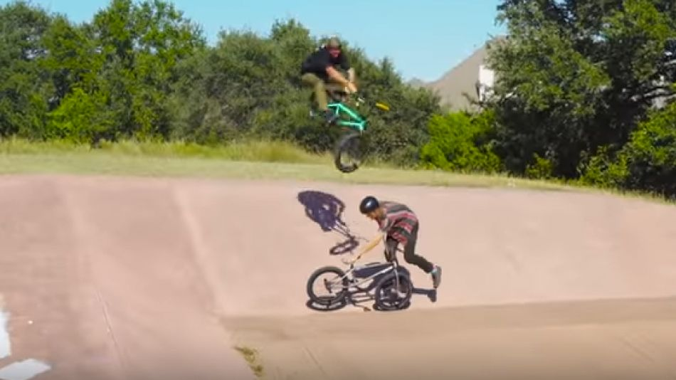 BMX / GROW UP – DOUBLES Sunday Bikes