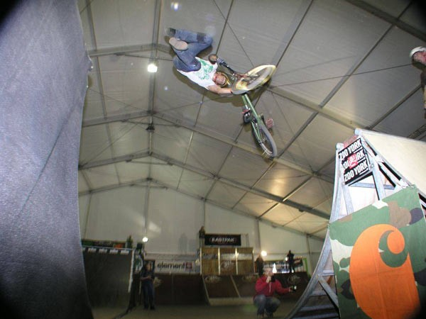 Vibrations tailwhip transfer